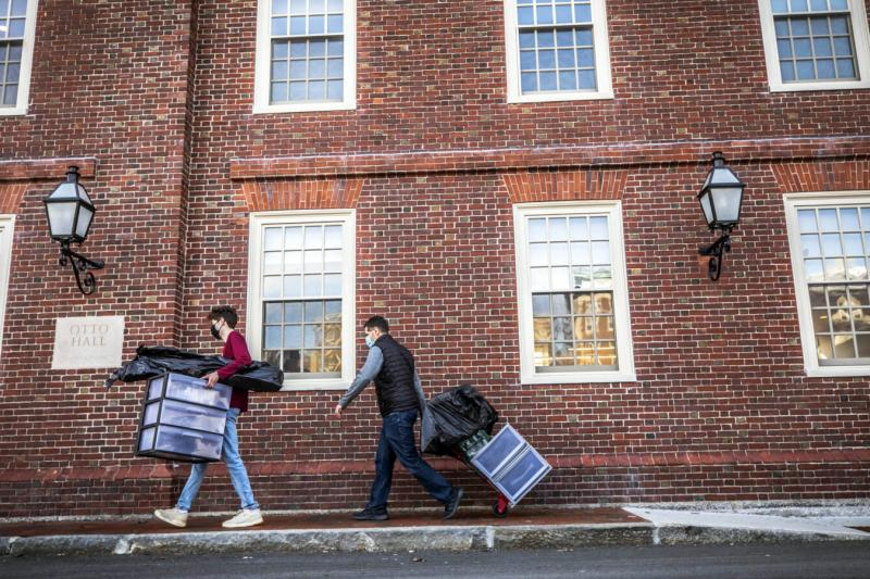 Drew Kelner '22 moved into Lowell House with help from his dad, Mike Kelner, of Pembroke, Mass. Jan. 20 was the first day of move-in day for spring 2021 at Harvard University.