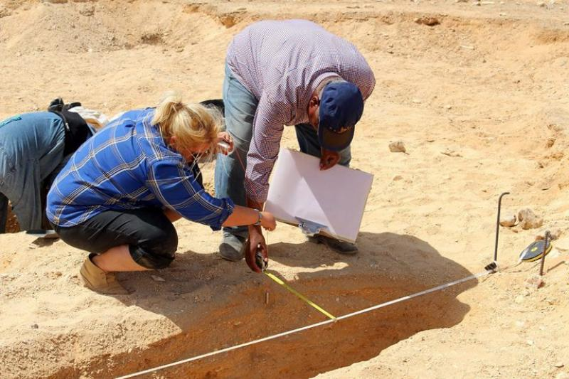 Kate Rose (left) working with colleagues at Amarna, an Egyptian archaeological site.