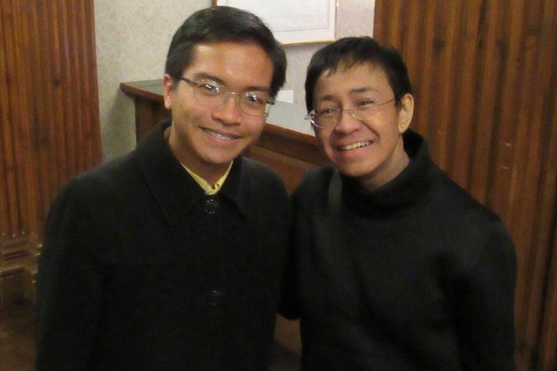Jeromel Dela Rosa Lara '23 met Maria Ressa at a 2020 event hosted by the Nieman Foundation for Journalism. On Oct. 15, Ressa won the 2021 Nobel Peace Prize.