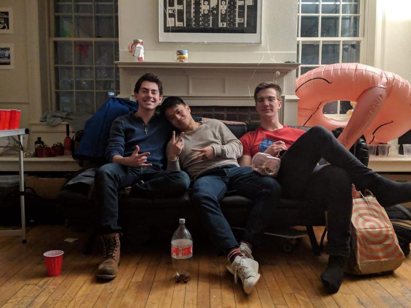Kirkland Roommates